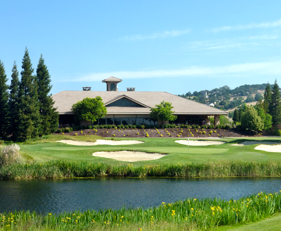 photo-copper-valley-meetings-retreats-clubhouse-entry
